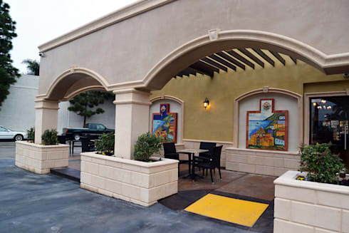 Long Beach Car Wash: Espacios comerciales de estilo  por Erika Winters® Design