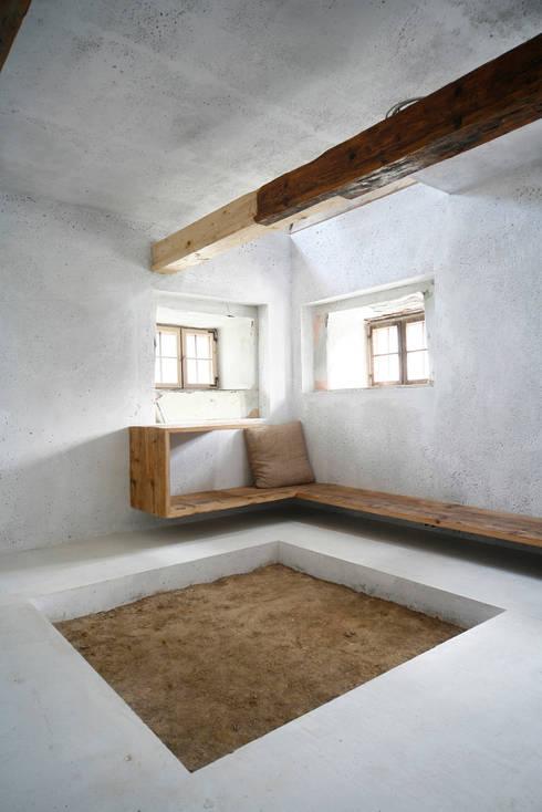 Stube:  Wohnzimmer von Peter Haimerl . Architektur