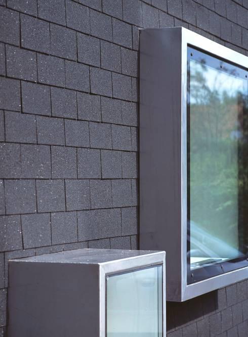 Fensterdetail:   von Peter Haimerl . Architektur
