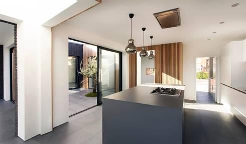 AR Design Studio- 4 Views: modern Kitchen by AR Design Studio