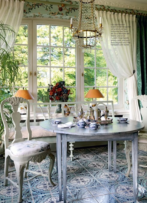 Dining room by THORA TOWN & COUNTRY