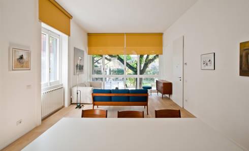 Casa RLM: Soggiorno in stile  di Arch. Nunzio Gabriele Sciveres
