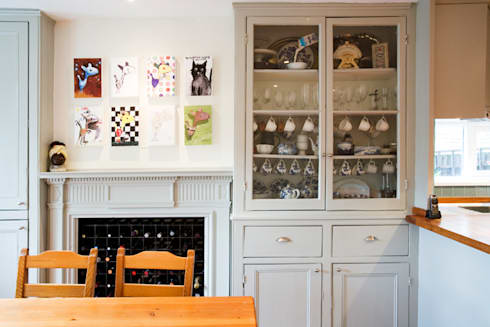 A Scandi Kitchen & Dining Room with an Arty Edge: scandinavian Kitchen by Cathy Phillips & Co