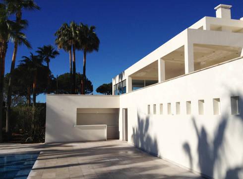 GW: Casas de estilo moderno de Fincas Cassiopea Group