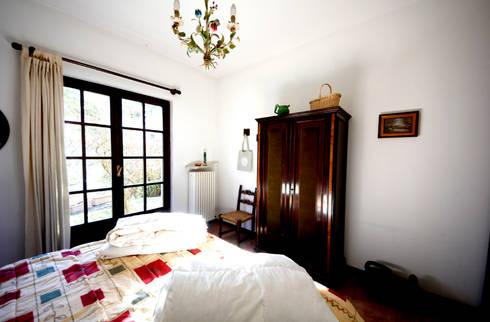 Villa Lago Maggiore – Italia: Camera da letto in stile in stile Rustico di Marco Barbero