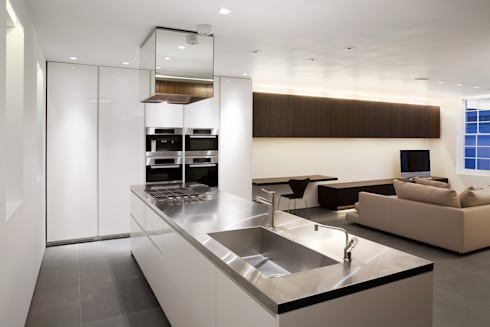 Hyde Park Mews: modern Kitchen by Gregory Phillips Architects