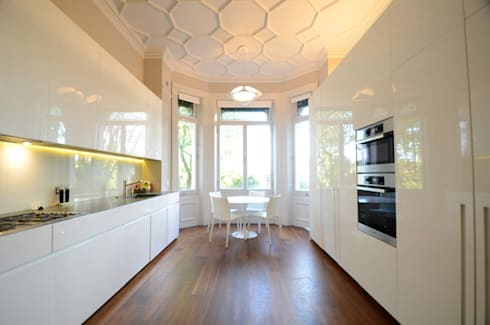 Belsize Park: colonial Kitchen by Gregory Phillips Architects