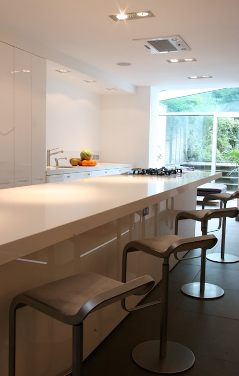 Hampstead: minimalistic Kitchen by Gregory Phillips Architects