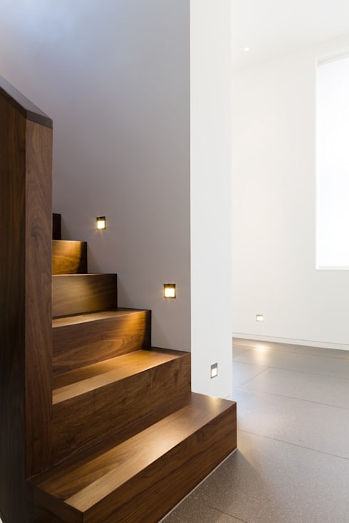 Carlton Hill, London :  Corridor & hallway by Gregory Phillips Architects