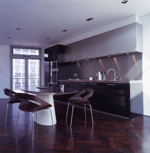 Shoreditch: modern Kitchen by Gregory Phillips Architects