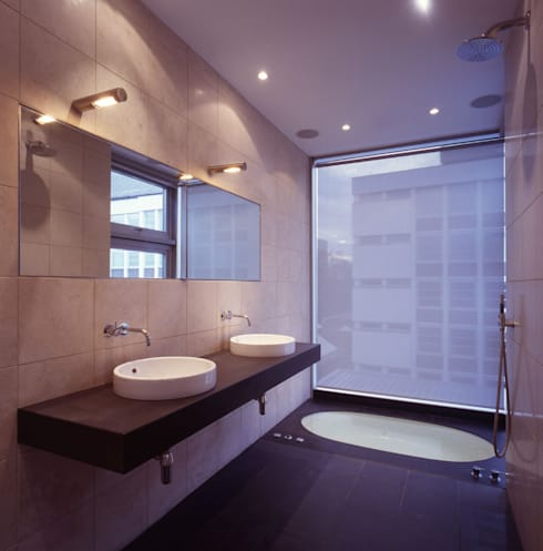 Shoreditch: modern Bathroom by Gregory Phillips Architects