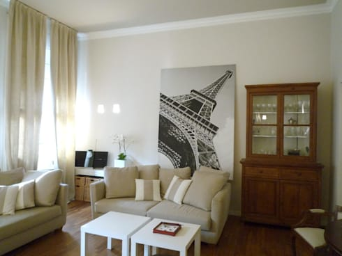 vista salotto: Soggiorno in stile in stile Moderno di Giussani Patrizia