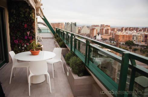 Jardín vertical en Valencia.: Paisajismo de interiores de estilo  de Ideas Interiorismo Exclusivo, SLU