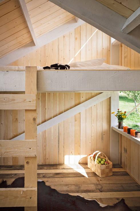 Dormitorios infantiles de estilo  por Anna & Eugeni Bach