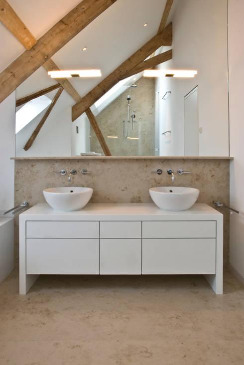 Rustikal und gemütlich: Moderne Holzbalken