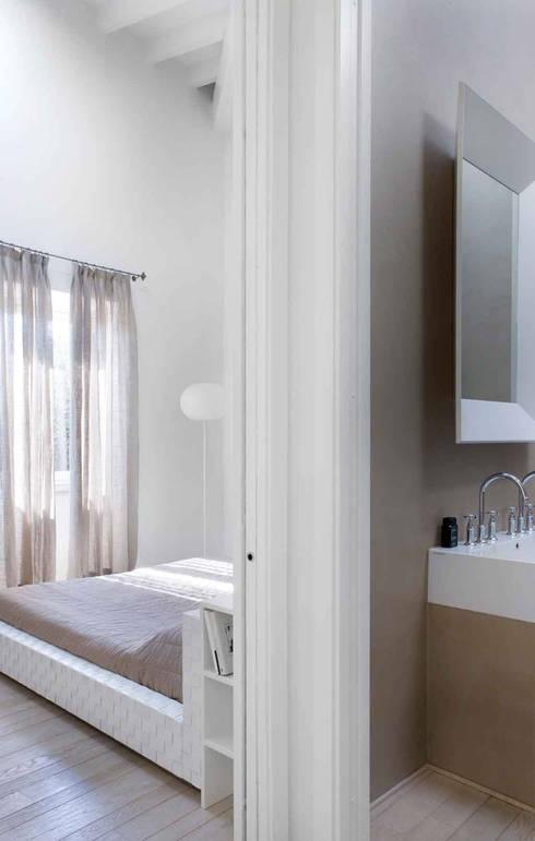 Loft Estivo, 2007: Camera da letto in stile  di MFA Architects
