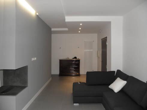 Appartamento_V: Casa in stile  di LMarchitects