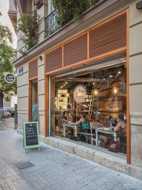 La Petite Brioche: Locales gastronómicos de estilo  de Binomio Estudio