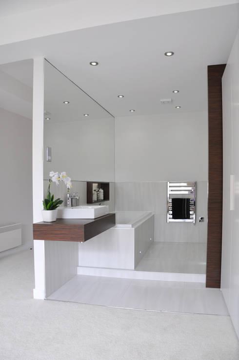 Salle de bains de style  par Studio TO