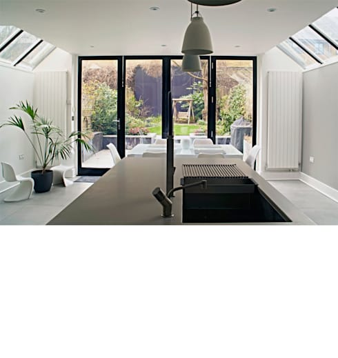Fulham Town House:  Kitchen by PAD ARCHITECTS
