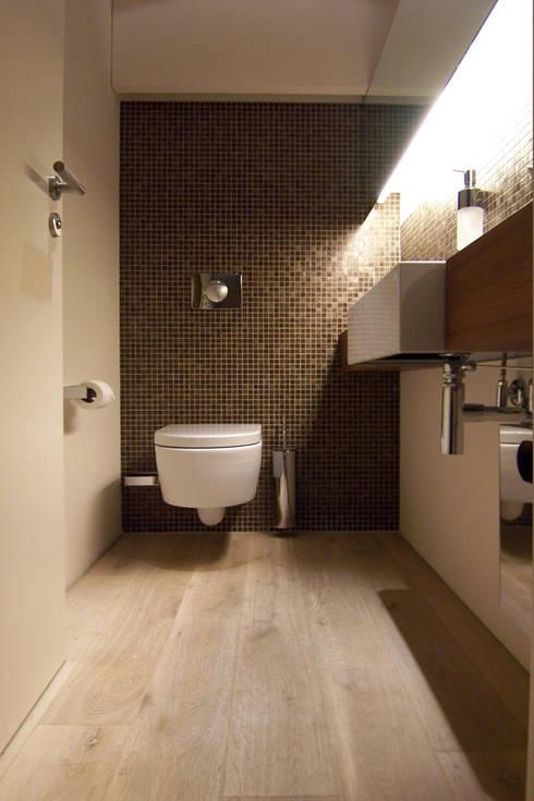 Showroom Orco Germany:  Badezimmer von  büro für interior design