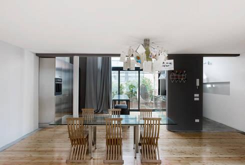 loft n° 5: Sala da pranzo in stile in stile Industriale di roberto murgia architetto
