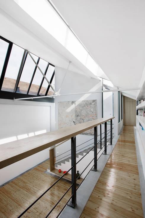 roberto murgia architetto:  tarz Koridor ve Hol