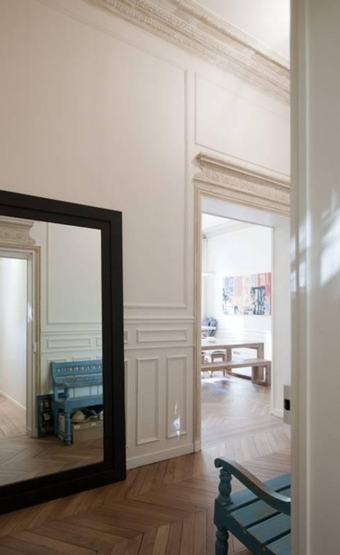 Ingresso & Corridoio in stile  di FELD Architecture