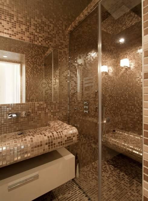 Appartement Luxembourg. Salle d'eau: Salle de bains de style  par FELD Architecture
