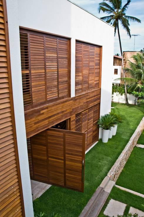 Casas tropicais por Renato Teles Arquitetura