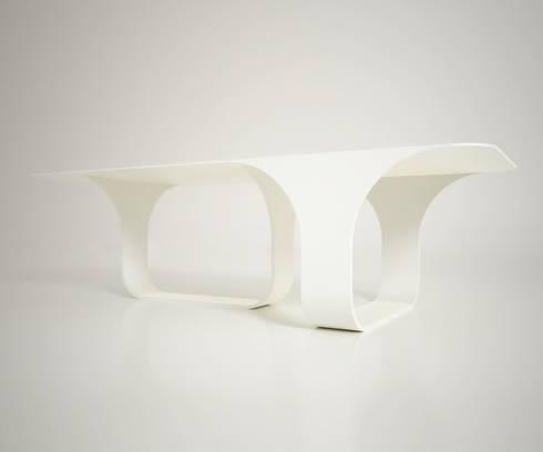 70's: Sala da pranzo in stile in stile Moderno di Arch. Cristian Sporzon