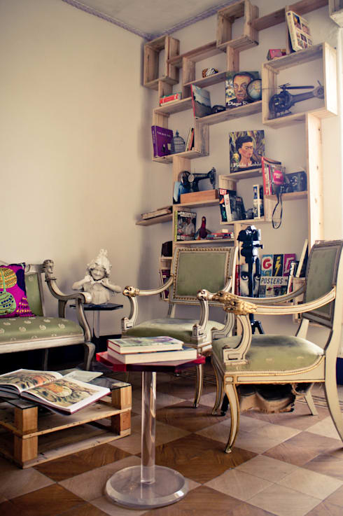 Salas multimedia de estilo  por amiko espacios