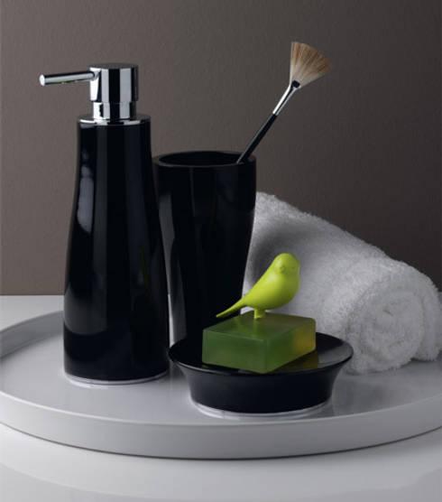 Bathroom by Lucarelli Rapisarda Architettura & Design