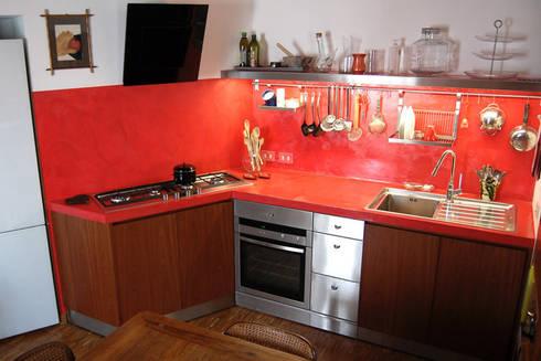 casa privata: Cucina in stile in stile Moderno di Lucarelli Rapisarda Architettura & Design