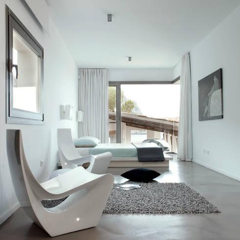 ห้องนอน by Octavio Mestre Arquitectos