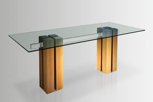 Katan Tavolo: Sala da pranzo in stile in stile Moderno di de Milan