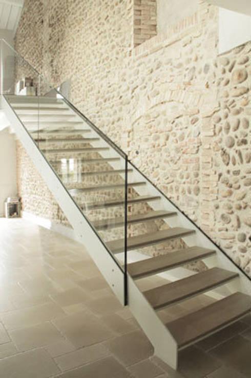 Corridor & hallway by archiplanstudio