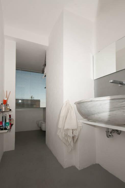 Projekty,  Łazienka zaprojektowane przez Fabiola Ferrarello architetto