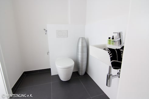Gaste WC: moderne Badezimmer von MINTSTAGING e.K. Agentur für Interior Design & Raumkonzepte