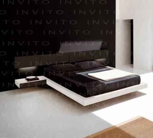 Recámara suspendida con cabecera corta: Recámaras de estilo minimalista por INVITO