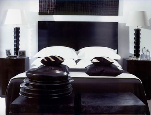 Chelsea, London. Bedroom:   by Palmer: Interior Architecture | Design | Lighting
