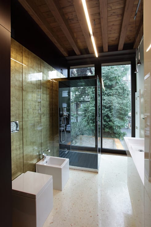Cumo Mori Roversi Architetti: modern tarz Banyo
