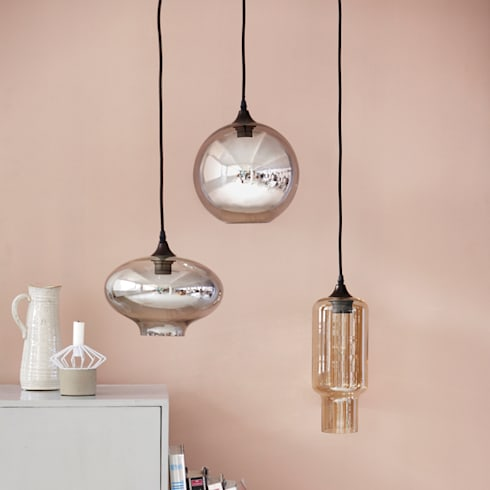 Glass pendant lamps: modern Kitchen by Decorum