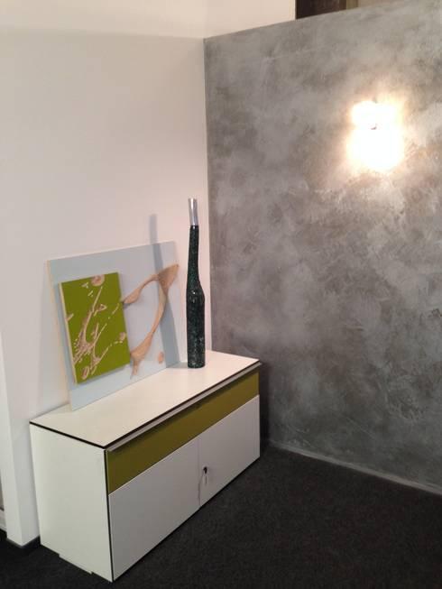 Büro Akzentwand Kalkmarmorputz Silber von Jakob Messerschmidt GmbH ...
