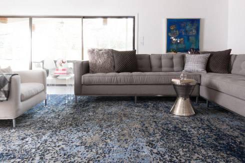 SALA: Salas de estilo moderno por FLAM RUGS