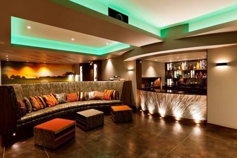 Lancashire Residence: modern Living room by Kettle Design