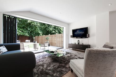 London—SE22: modern Living room by kt-id
