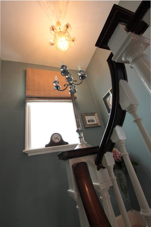 London SE9: modern Corridor, hallway & stairs by kt-id