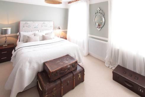 London SE9: scandinavian Bedroom by kt-id