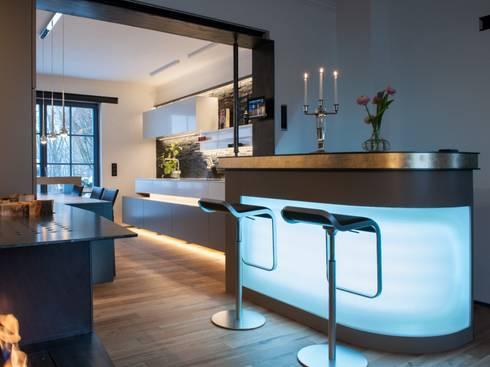 Cocinas de estilo moderno de Bolz Licht & Design GmbH